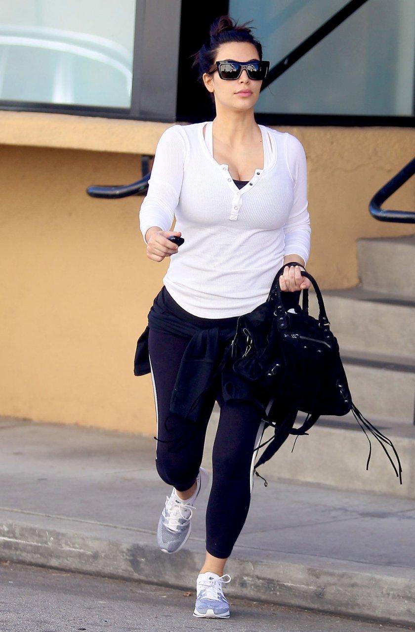 Kim Kardashian Balenciaga 2